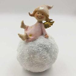 Figura devojčica i sneg